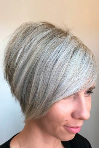 Short Simple Bob Cut With Side Bangs #shorthairstyles #blondehair