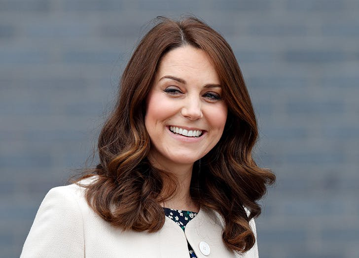 shoulder length wavy hair kate middleton