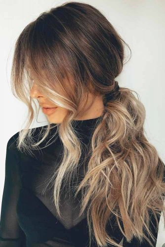 Side Messy Ponytail #hairstylesforthinhair #hairstyles #thinhair #hairtype #ponytail