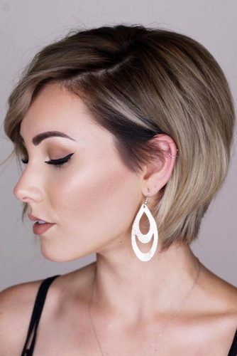 Side Parted Bob Magic Power Of Short Hair #shorthairstyles #shorthair #hairstyles #bobhairstyles