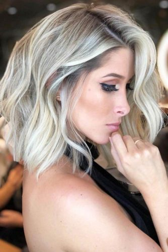 Side Parted Wavy Long Bob Hairstyle #wavyhair #hairstyles #hairtypes #bobhairstyles
