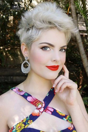 Side Swept Pixie Icy Blonde Color #shorthair #shorthairstyles #pixiehaircut #pixiehairstyles #icyblondehair