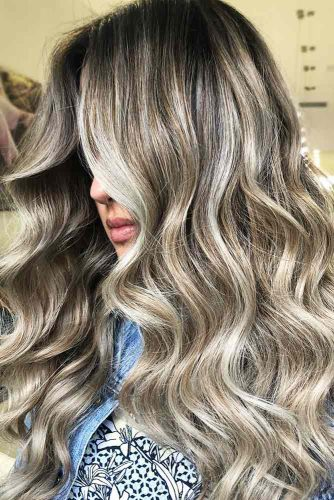 Silver and White Highlighted Hair Long #brunette #highlights #longhair #wavyhair
