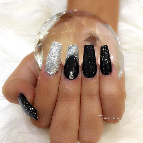 Sparkly Black Glitter Nails Picture 1