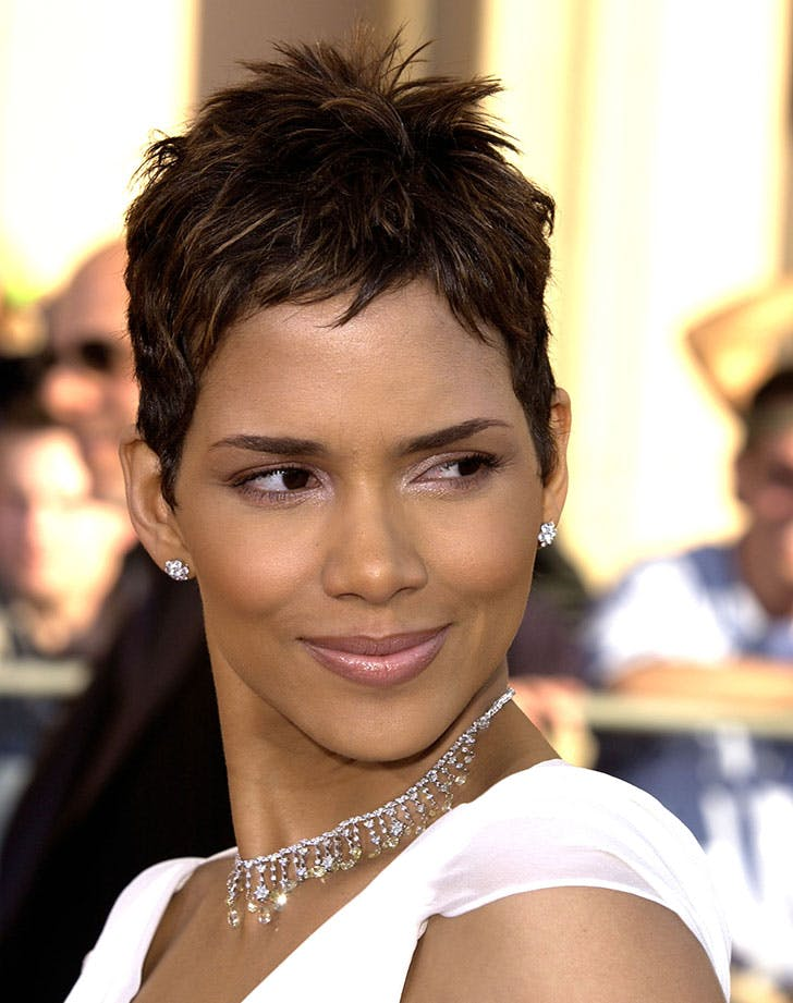 spiky pixie Cut halle barry10