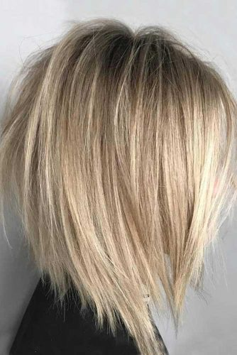 Straight Layered Haircuts for Woman picture2