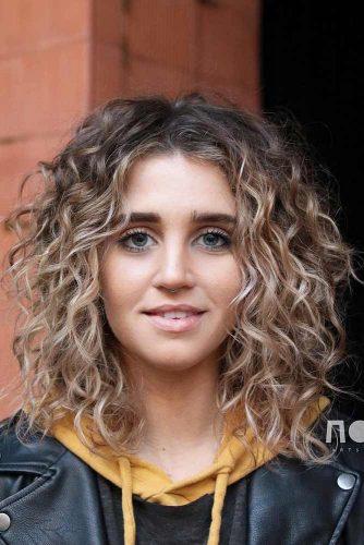 Stunning Curly Shag #shaghairstyles #shaghaircuts #mediumlength #hairstyles #curlyhair