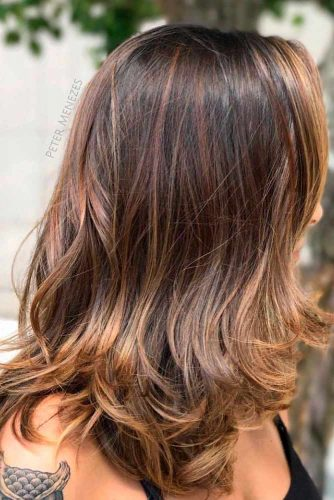Stylish Layered Shoulder Lenght Hairstyle #brownhair #layeredhairtips