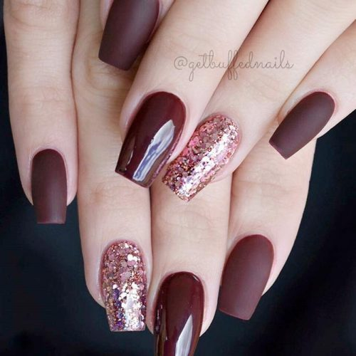 Stylish Matte And Glossy Burgundy Nails #mattenails #glitternails