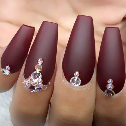 Stylish Matte Burgundy Nails With Rhinestones #mattenails #rhinestonesnails
