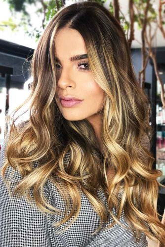 Sun Kissed Golden Face Framing Highlights #brunette #blondehair #highlights
