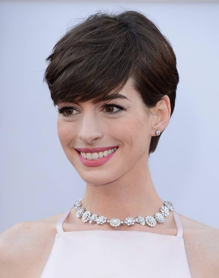 sweeping pixie anne hathaway38