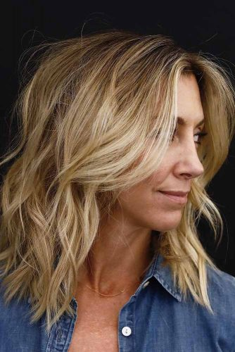 Tasteful Medium Blonde Shag Haircut #shaghairstyles #shaghaircuts #mediumlength #hairstyles #blondehair