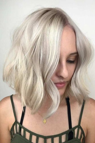 The Blonde Side Of Medium Bob Hairstyle #mediumhair #bobhaircut #platinumblonde