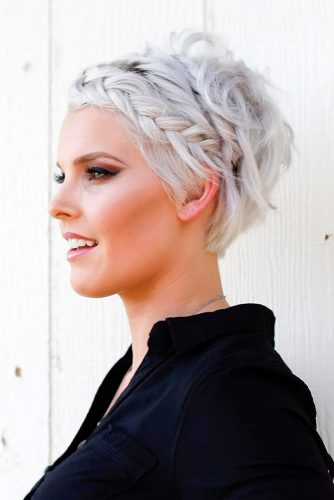 Trendy Short Hairstyles for Stylish Look picture 4