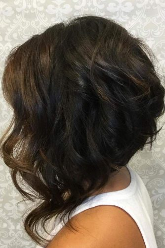 Trendy Textured Haircut for Your Wavy Hair picture 1
