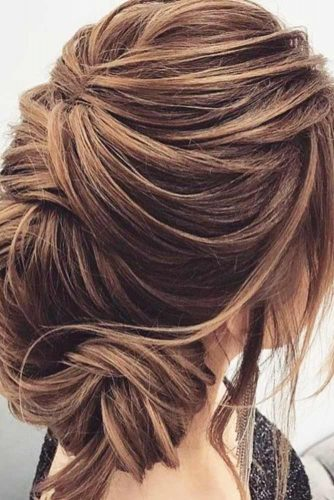 Try These Updos to Look Pretty picture 2