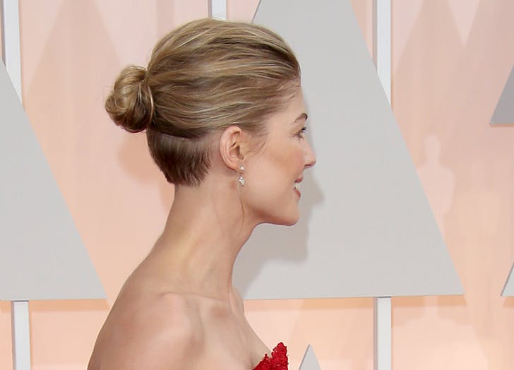 undercut hair rosamund pike13