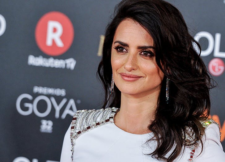 voluminous layers penelope cruz22