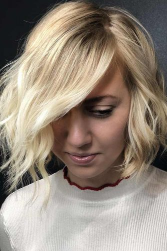 Wavy Bob For Blonde Girls Side Part #shorthairstyles #hairstyles #wavyhair #bobhaircut #blondehair