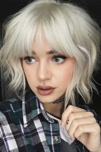 Wavy Bob For Blonde Girls With Bangs #shorthairstyles #hairstyles #wavyhair #bobhaircut #icyblondehair