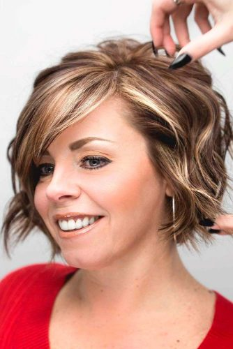 Wavy Hairstyles With Highlights #highlightshair #wavyhairstyles