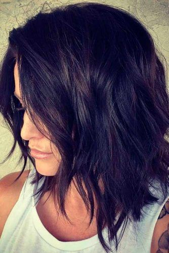 Careless Brunette Hairstyle #brunettehair #messyhair