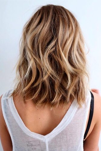 Wavy, Shoulder Length Cut
