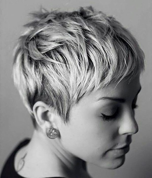 17-layered-pixie-cut New Pixie Haircut Ideas in 2019
