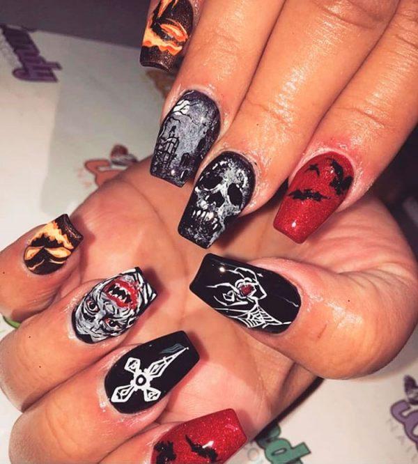Amazing black Halloween nails!