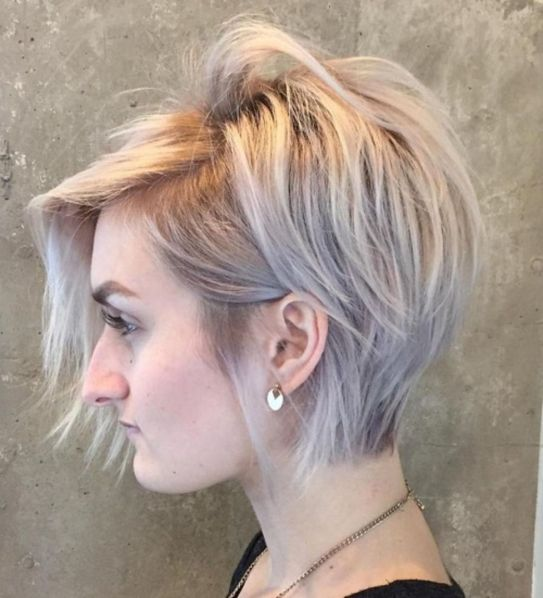 Pixie-Cut-with-Side-Bangs