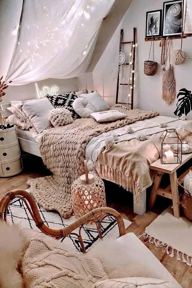 Boho Bedroom Design With Canopy Accent #canopy #bohobedroom