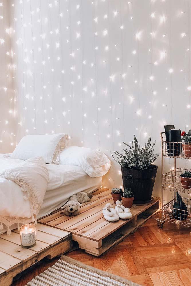 Boho Bedroom Design With String Lights #bohobedroom #rustic