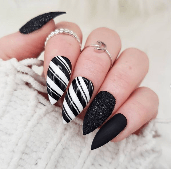 black and white holiday nail designs