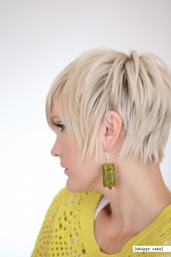 Easy, Chic Layered Short Hairstyle: Women Haircuts Ideas