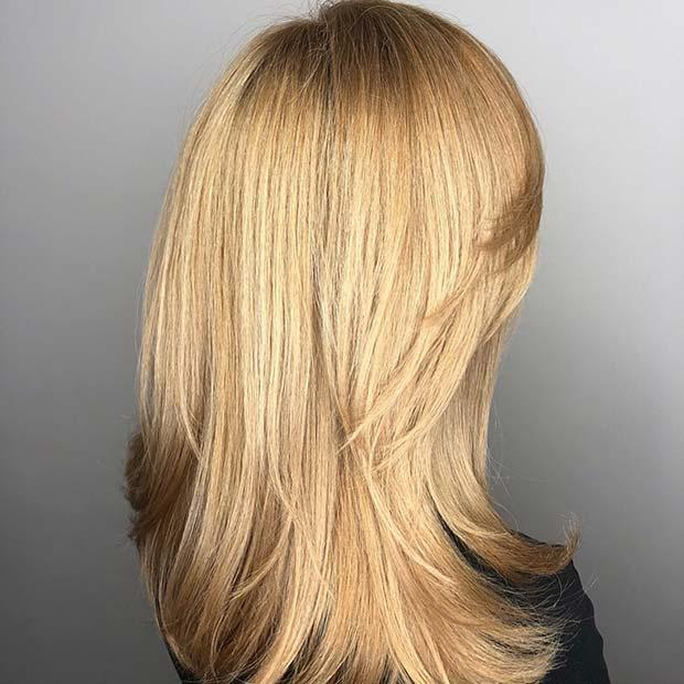 Chic Hair with Short Layers at the Front