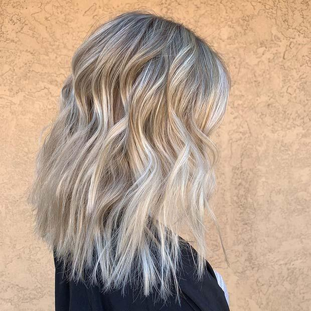 Medium Layered Hair in Blonde